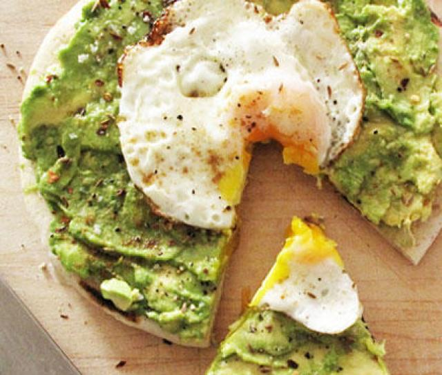 Avo Egg Breakfast Pizza