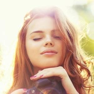 8 μυστικά για υπέροχο δέρμα & μαλλιά την άνοιξη*