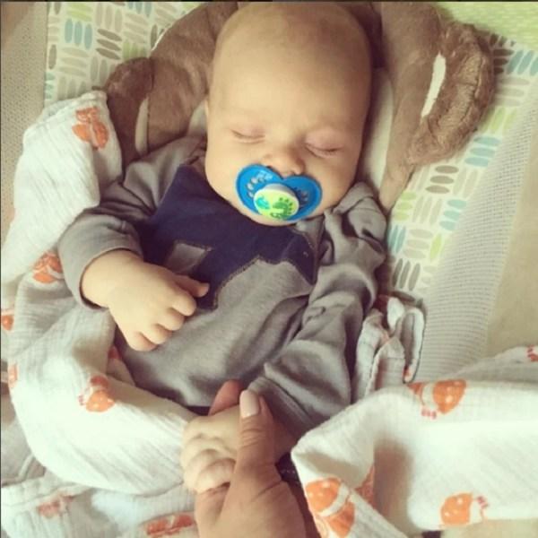 Τι να κάνεις αν το μωρό χάσει τις αισθήσεις του ή δεν αναπνέει;