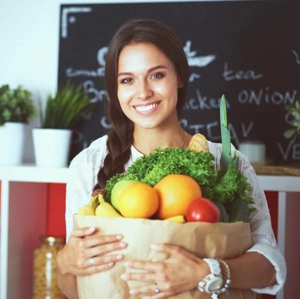 Πόσο κουνουπίδι τρως; Τα οφέλη και πώς να το φτιάξεις (ναι τρώγεται και ωμό στις σαλάτες!)