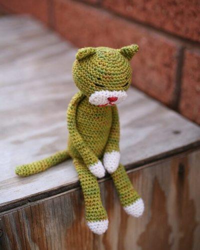 Amineko Crocheted Cat