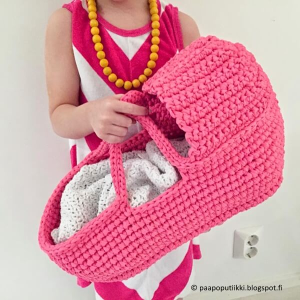Gorgeous Doll's Carry Basket