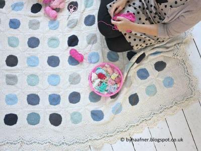 Dainty Dots Blanket