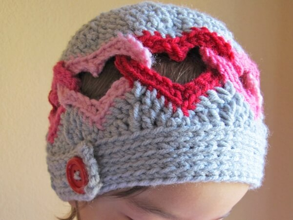 Be Mine - a linked heart hat