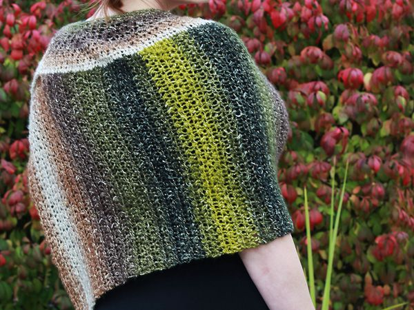 crochet Curvy Girl Cape free pattern