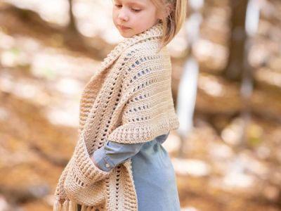 crochet Fringy Pocket Shawl easy pattern