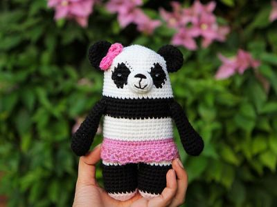 crochet Polly the Panda free pattern