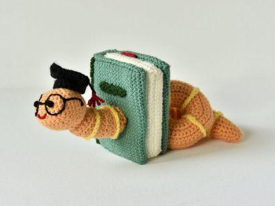 crochet Bookworm Amigurumi easy pattern