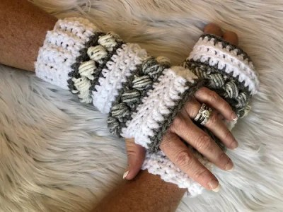 crochet ThunderSnow Fingerless Gloves easy pattern