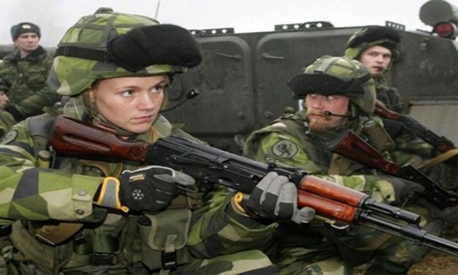 السويد تفرض على النساء التجنيد الإلزامي