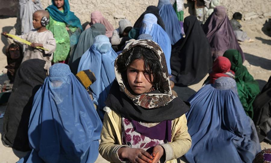 """""""زاري"""" الأفغانية تشجع الفتيات على التعليم"""