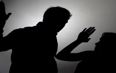 كبّل زوجته وضربها ليمارس الجنس معها …جريمة كشفت محكمة الجنايات في جبل لبنان النقاب عنها