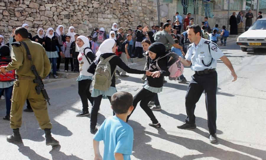 الاحتلال يشن هجوما على مدرسة للبنات في القدس