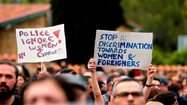 سفاح النساء في قبرص يقتلهن ويرمي جثثهن في البحيرة