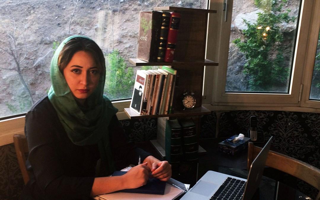 هل تُمنع الإيرانيات من تقديم البرامج الإذاعية والتلفزيونية؟