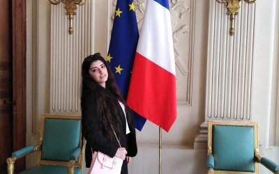 الطالبة سالي موسى تمثل لبنان والعالم العربي في برلمان فرنسا