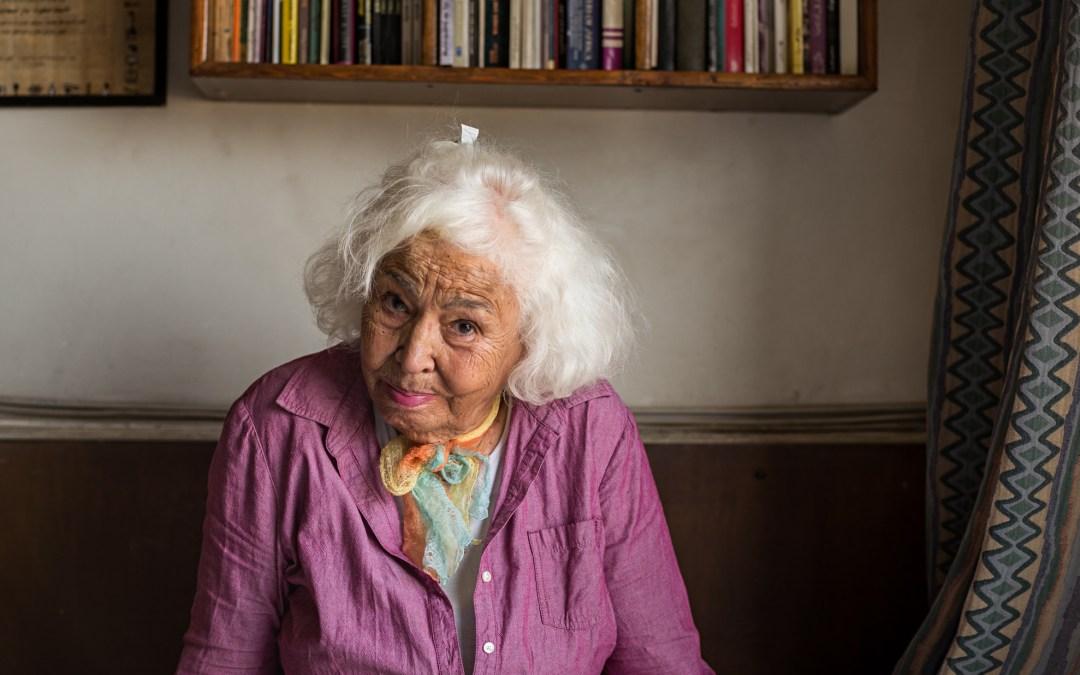 محاولة لإسقاط الجنسية عن الكاتبة المصرية نوال السعداوي