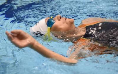 مصرية سبعينية تفوز بالميدالية الفضية في بطولة سباحة عالمية