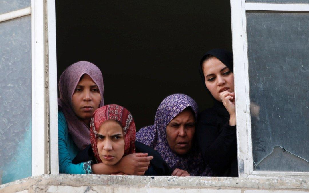 جريمة عنف أسري بشعة… زوج يلقي زوجته من الطابق الثالث في قطاع غزة