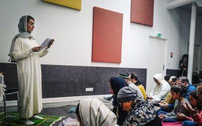 في مسجد «فاطمة» بباريس صلاة مختلطة أمّتها الدكتورة كاهنة بهلول