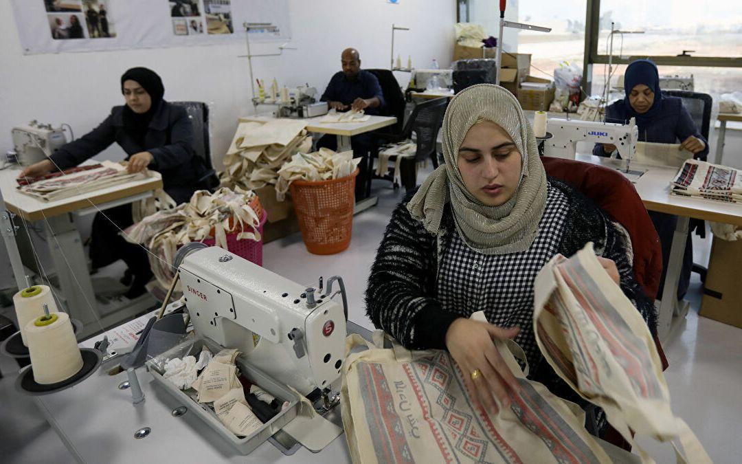 في اليوم العالمي للسلامة والصحة في مكان العمل النساء معرّضات للبقاء خارج سوق العمل!