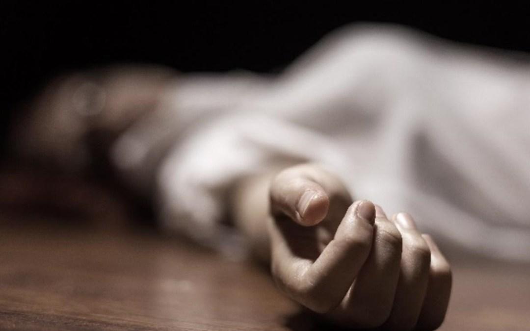 في الأردن أب لحق ابنته إلى الشارع ضربها حتى الموت ثم جلس قرب جثتها يشرب الشاي!