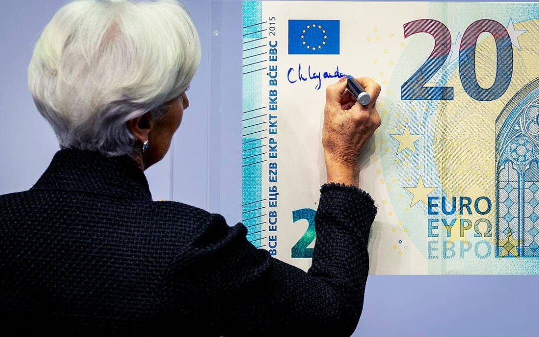 بدء التداول بأوراق يورو نقدية تحمل لأوّل مرة توقيع امرأة
