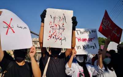 أوقفوا قتل النساء… صرخات ترددت ولا تزال في الأردن مع ارتفاع معدل الجرائم ضد النساء والفتيات