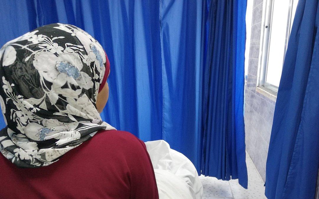 160 عاملة أردنية تعرضت للاختناق في مصنع ملابس في الشونة الشمالية