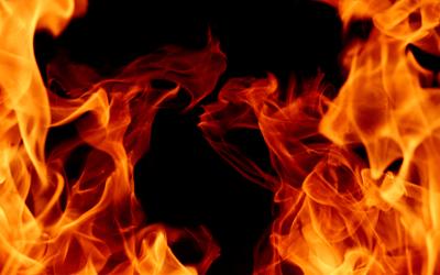 في مصر أب أقفل باب المنزل على عائلته وأحرق والدته وزوجته وبناته وقتلهنّ!