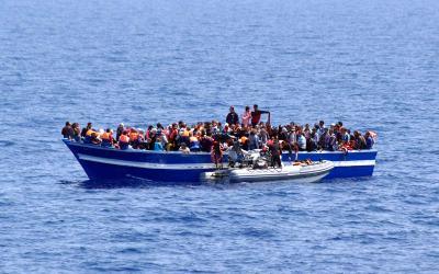 اليونيفيل تستلم جثة امرأة كانت على متن قوارب الموت اللبنانية