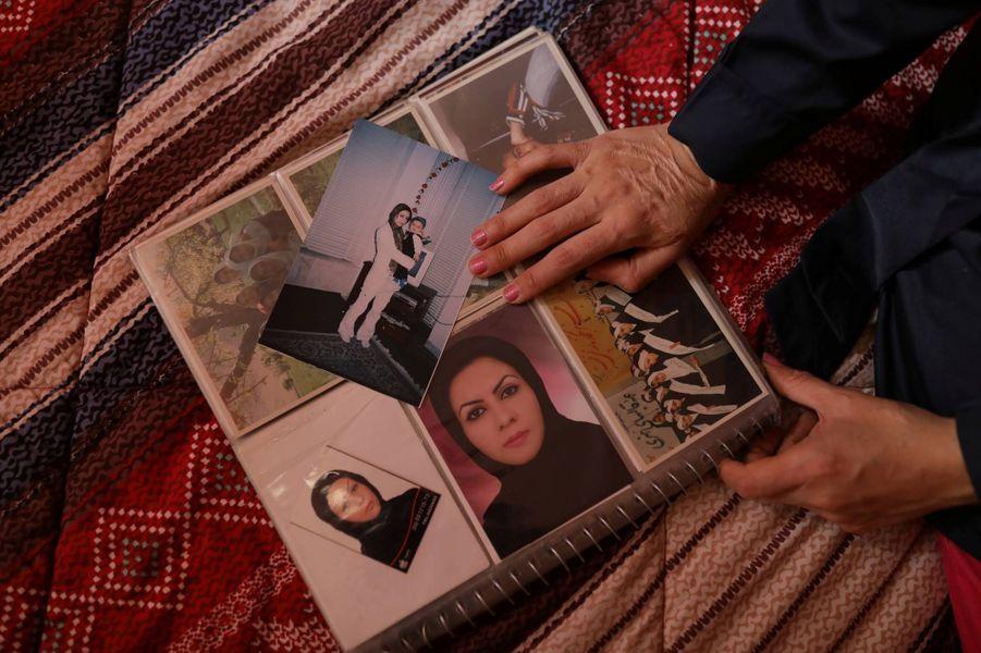 شابة ايرانية تستعيد حياتها بعد عشر سنوات على تعرضها لهجوم أفقدها بصرها