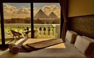 لا إقامة للمصريات في الفنادق من دون «محرم»!