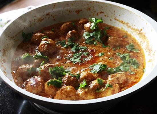 tandoori aloo gravy recipe garnish