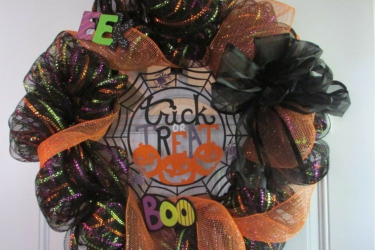 Learn How to Make A Fall Deco Mesh Wreath