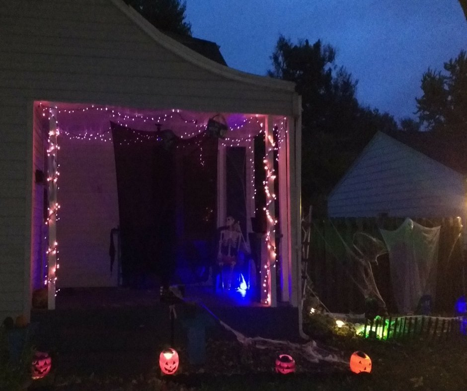 2017 Halloween Decorating Front