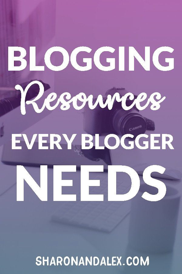 This is a great list of blogging resources all bloggers need in their toolbox. #blogging #bloggingresources