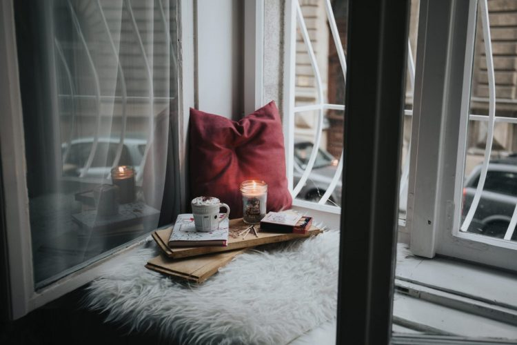 Quick Ways to Transition from Christmas to Winter Decor