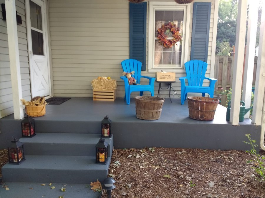 Paint a concrete porch - done