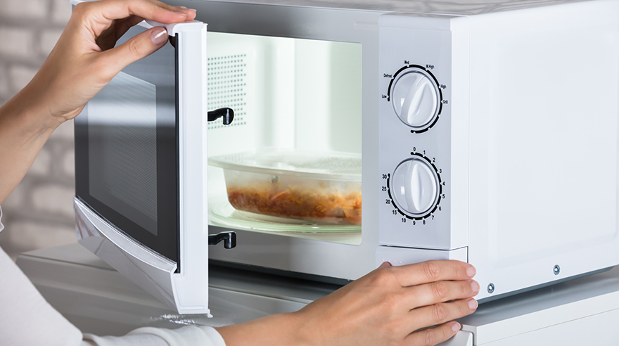 can you microwave food in plastic