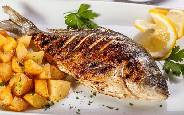 """Сервис """"ШАШЛЫК ONLINE """" предлагает вам карпа на мангале с доставкой по Киеву, из разных сортов мяса и рыбы, а также другие традиционные блюда по самым доступным ценам."""