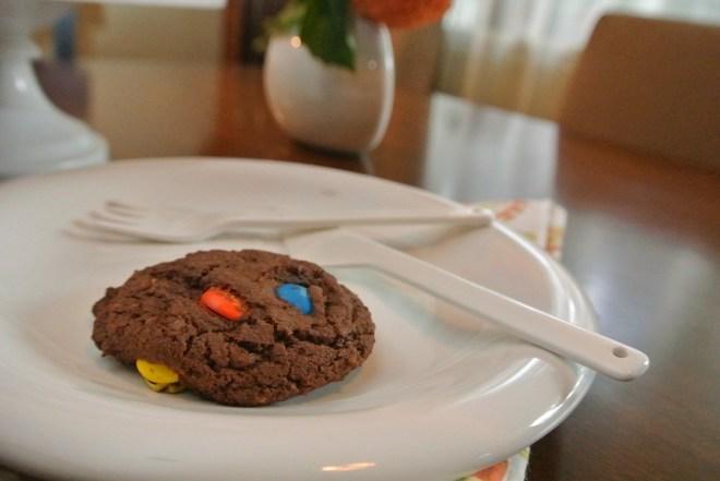 Single Magnolia Crunch Cookie