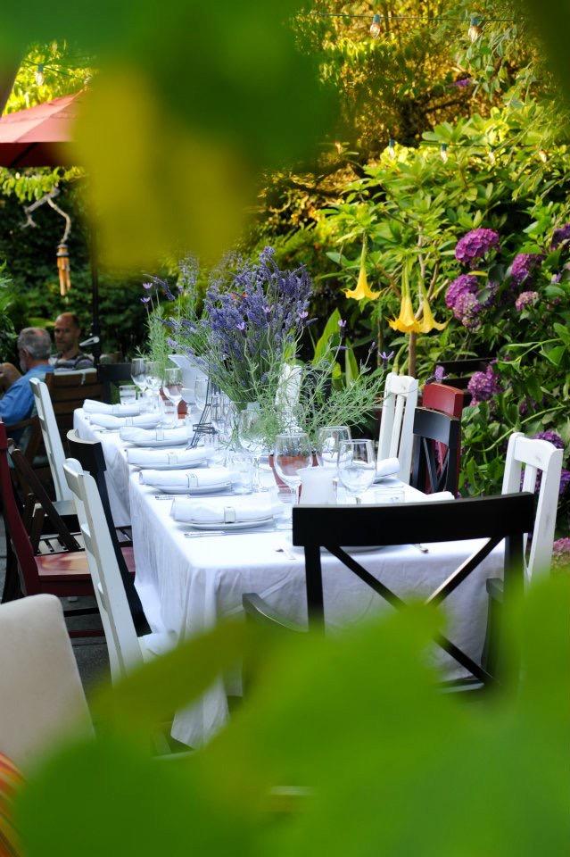 bastille table in the garden