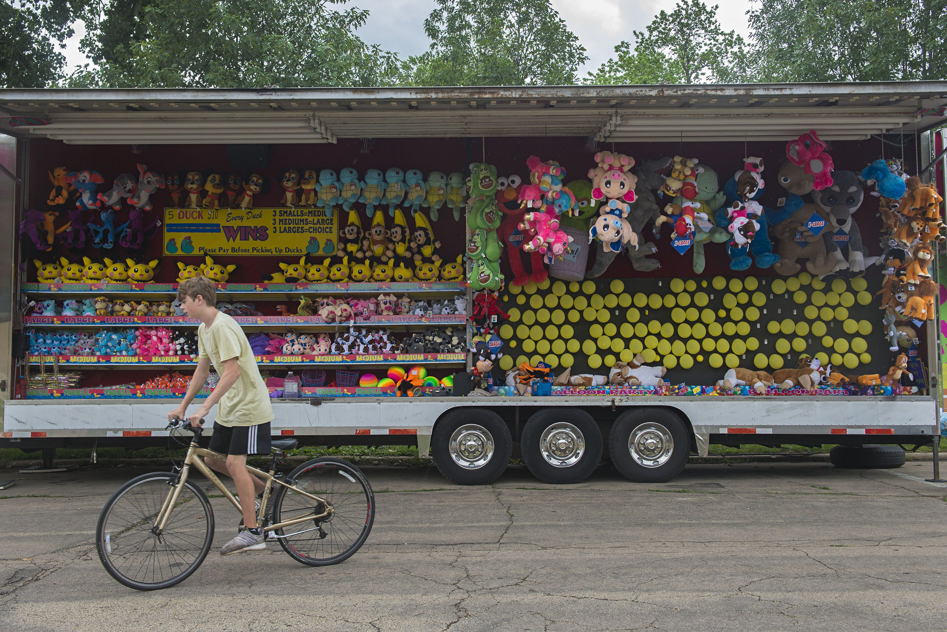 Prizes, rides and food are all set to go Thursday for the return of DIxon's Petunia Fest.
