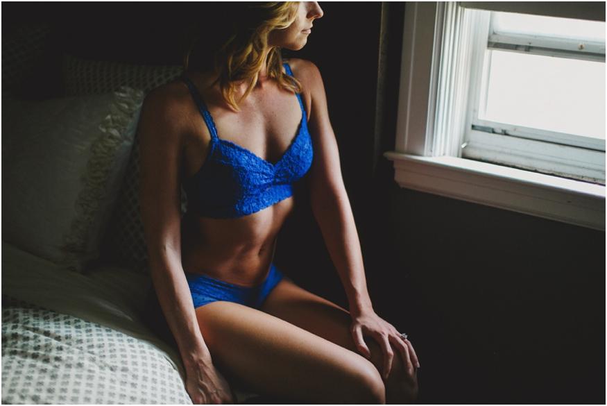 buffalo-nyc-boudoir-photographers-women-light-lines_0014