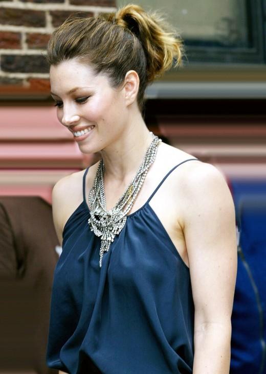 Jessica Biel Stylish Blue Shirt Amp Ponytail