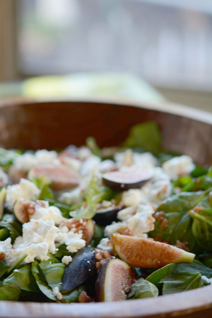 Salad with Fig, Goat Cheese, Basil and Pomegranate Vinaigrette