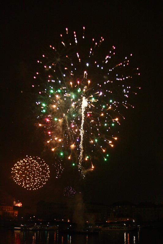 Feuerwerk über der Karlsbrücke