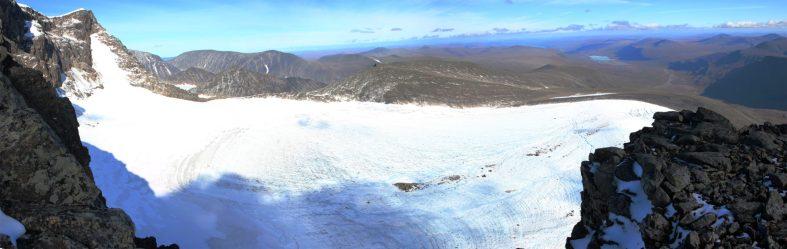 Gletscher unterhalb der Schutzhütte