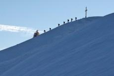 Schneeschuhgeher beim Abstieg